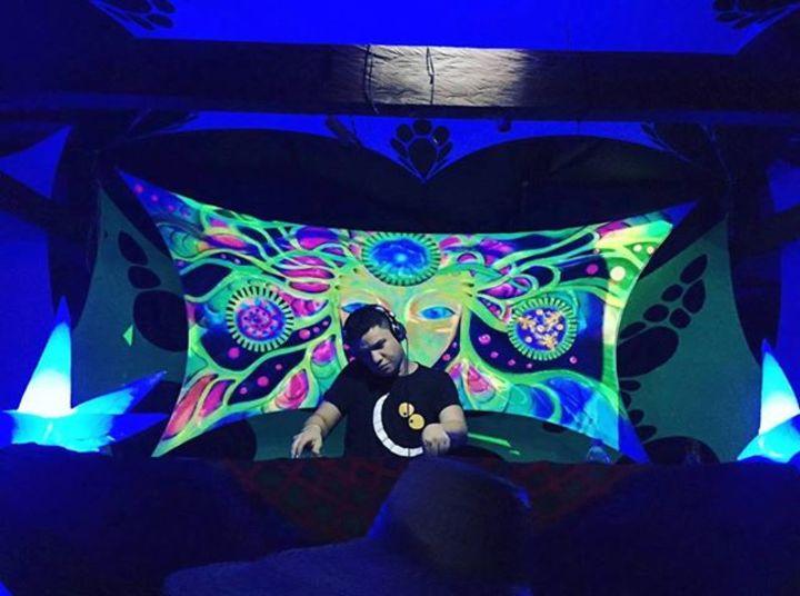 Tinick DJ Tour Dates