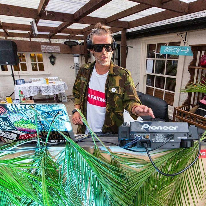 DJ ch!co aka diRTy cHeeKs Tour Dates