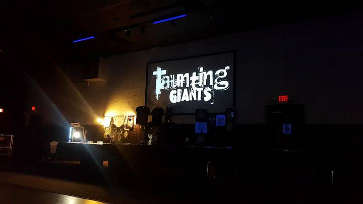 Taunting Giants @ Realm - Toledo, OH