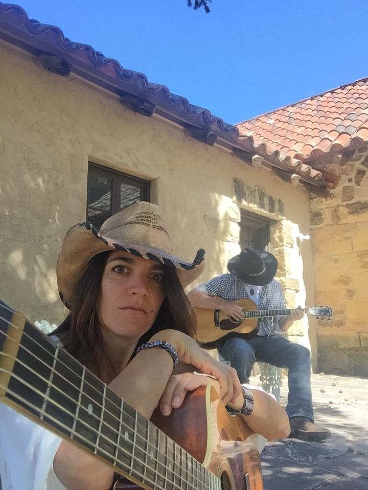 Robin Lore @ The Crown and Harp - Dallas, TX