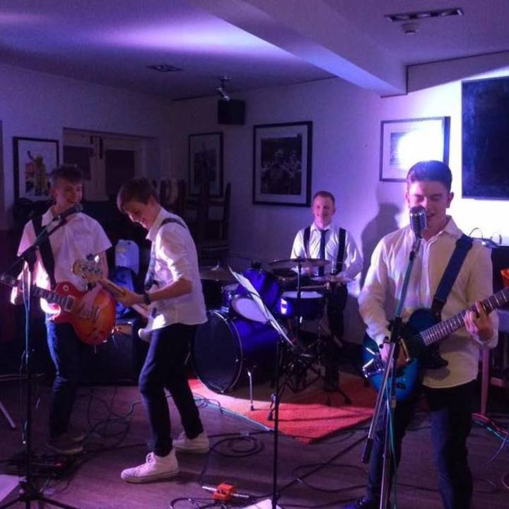 The Avros @ The Fleece - Farsley, United Kingdom