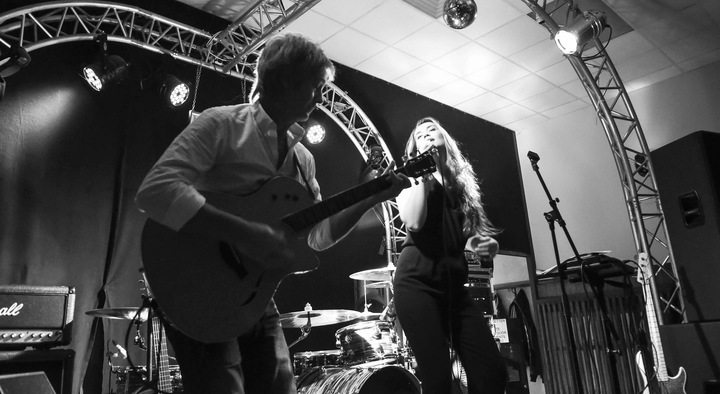 LUNA The Music @ CC Bar - Aarschot, Belgium