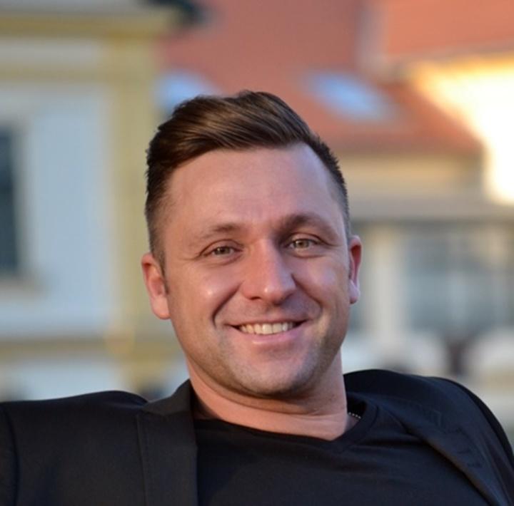 V-Tech @ Művelődési ház - Heviz, Hungary