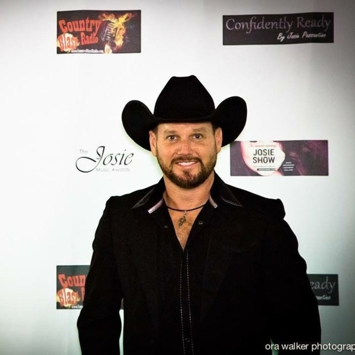 Cody Dell Akridge @ Rosser Funeral Home 3rd Annual Tree Lighting and King's Daughters Toy Drive  - Cleburne, TX