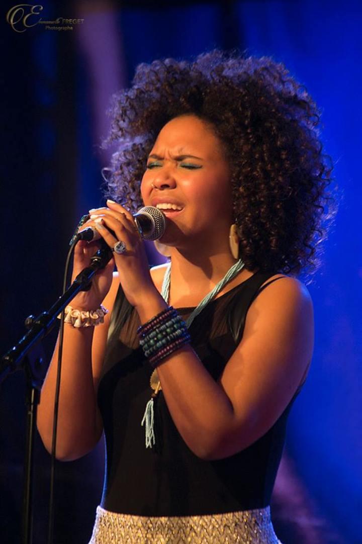 Cynthia Abraham @ Cynthia Abraham - Electro/jazz/chanson au Baiser salé - Paris, France