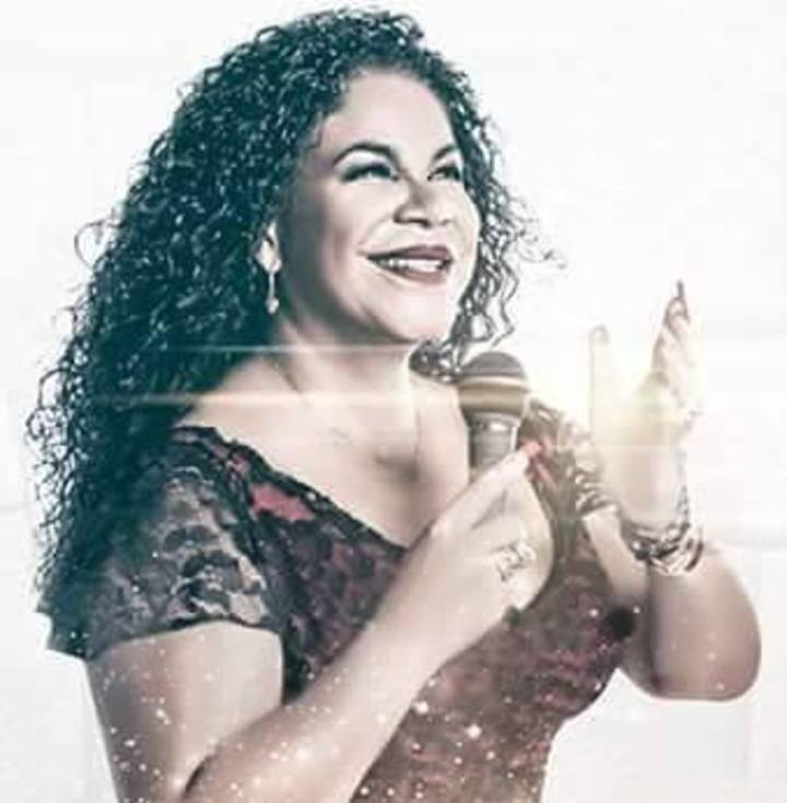 EVA AYLLON OFICIAL Tour Dates