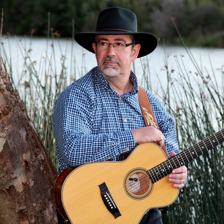 Lloyd Clarke - Singer/Songwriter. @ Tamworth City Bowls - Tamworth, Australia