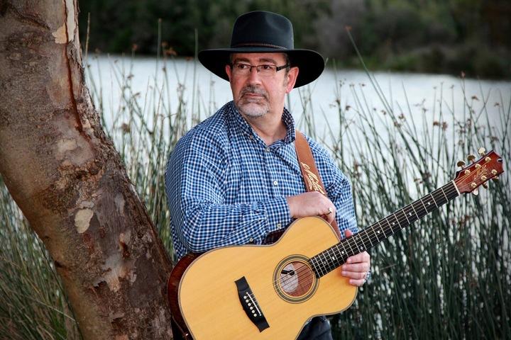 Lloyd Clarke - Singer/Songwriter. @ Post Office Hotel - East Tamworth, Australia