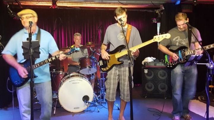 Barefoot Bobby and the Breakers @ Puck Live 8:30pm-12:00am (Full Band) - Doylestown, PA