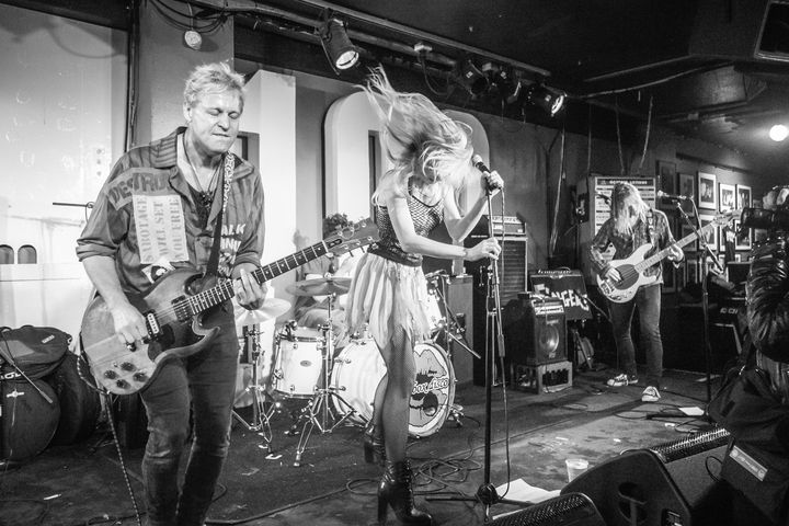 Healthy Junkies @ The 100 Club - London, United Kingdom