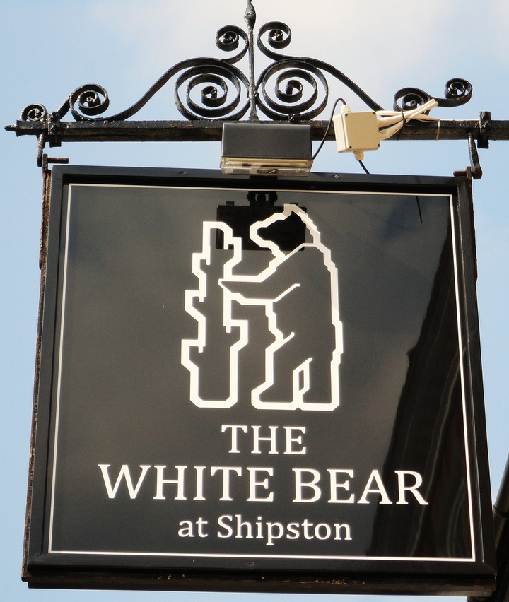 Andrew James @ The White Bear - Shipston-On-Stour, United Kingdom
