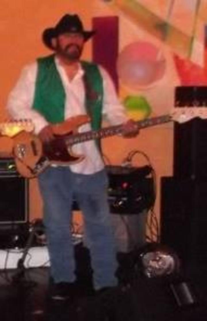 Jerry Padron - Bass Guitar Tour Dates