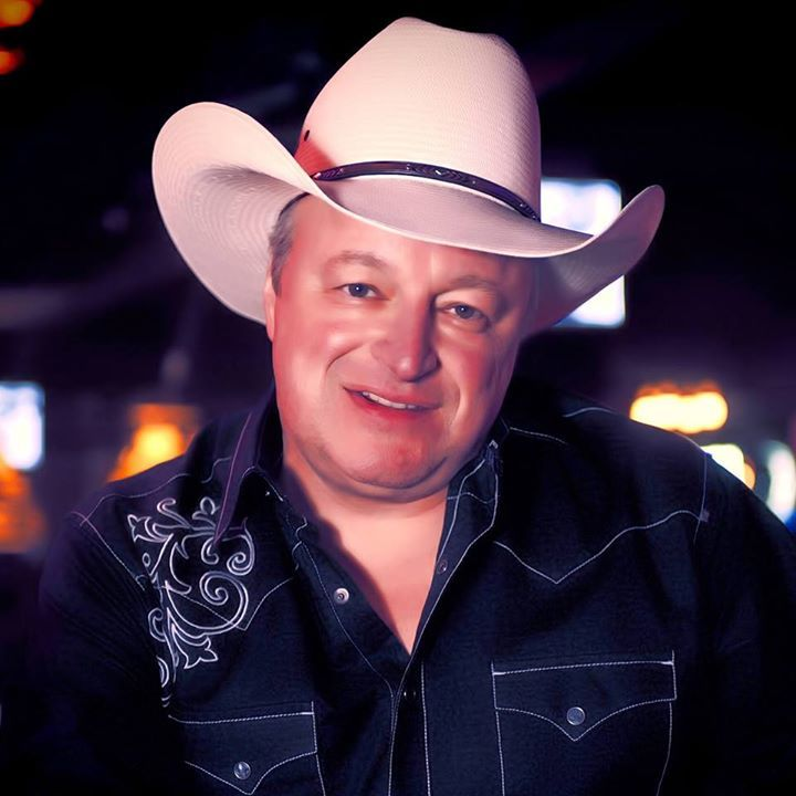 Mark Chesnutt @ THE MULE BARN - Justin, TX