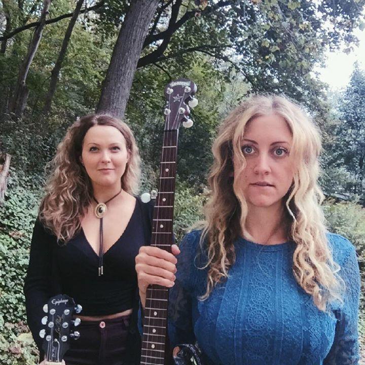 Driftless Sisters @ Codfish Hollow Basementstormers - Maquoketa, IA