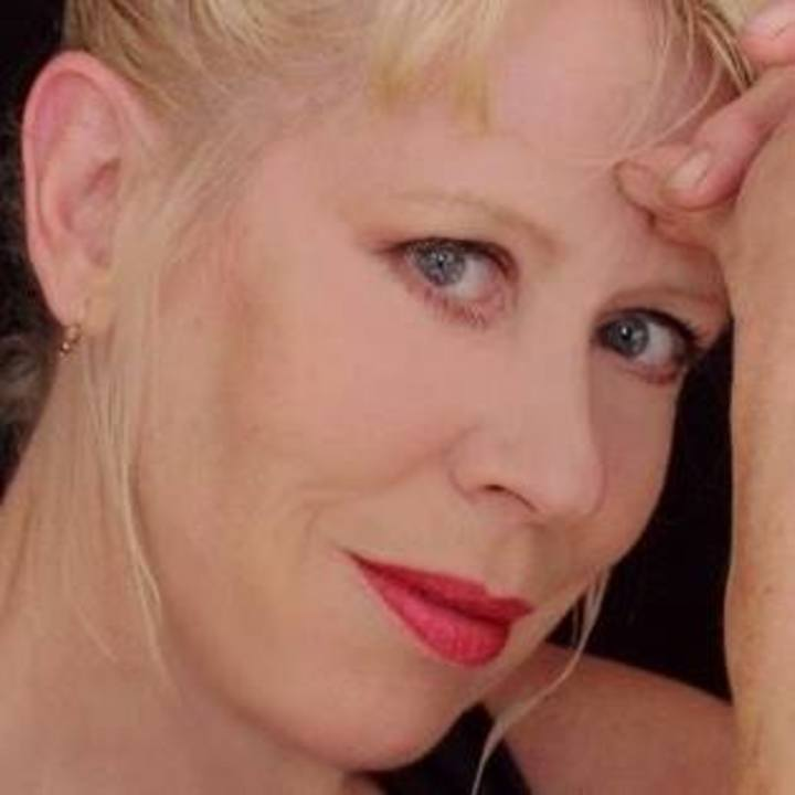 Hazel O'Connor @ Wrexham Uni Catrin Finch Centre - Wrexham, United Kingdom