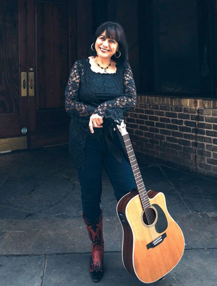 Tish Hinojosa Tour Dates