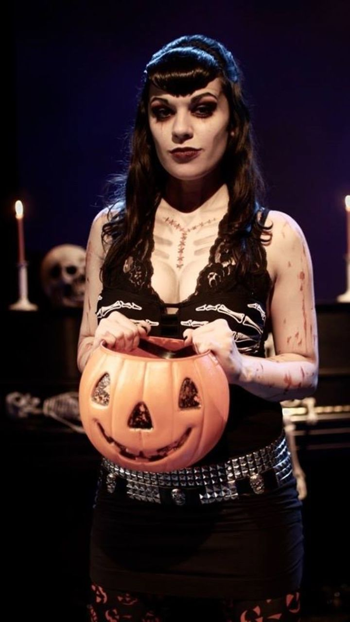 Jess O Lantern Tour Dates