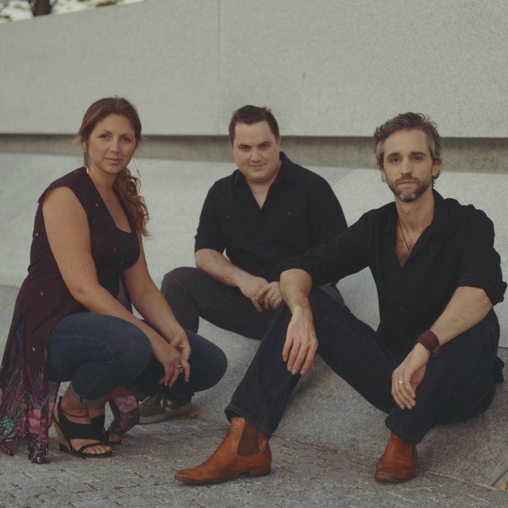 La Voz De Tres Tour Dates
