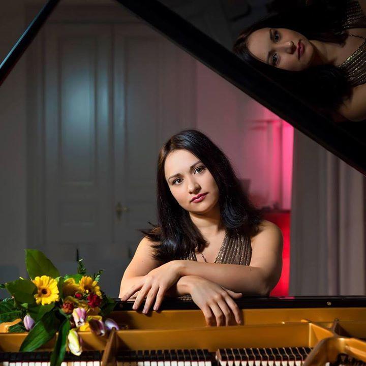 Dinara Klinton - concert pianist Tour Dates