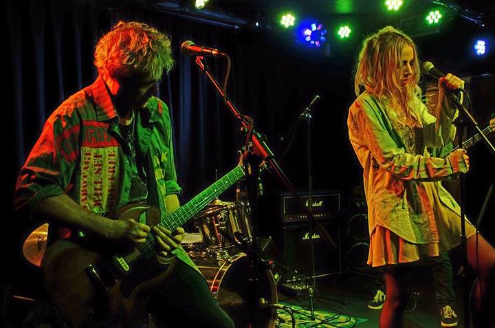 Healthy Junkies @ Snooty Fox Club - Wakefield, United Kingdom