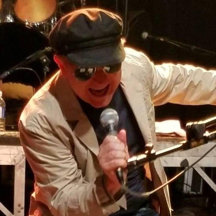 Mike Arnold & the Music City Rockers @ Douglas Corner - Nashville, TN