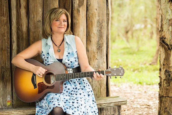 Melissa Robertson -  singer/songwriter @ Country Gospel on The Darling - Mildura, Australia