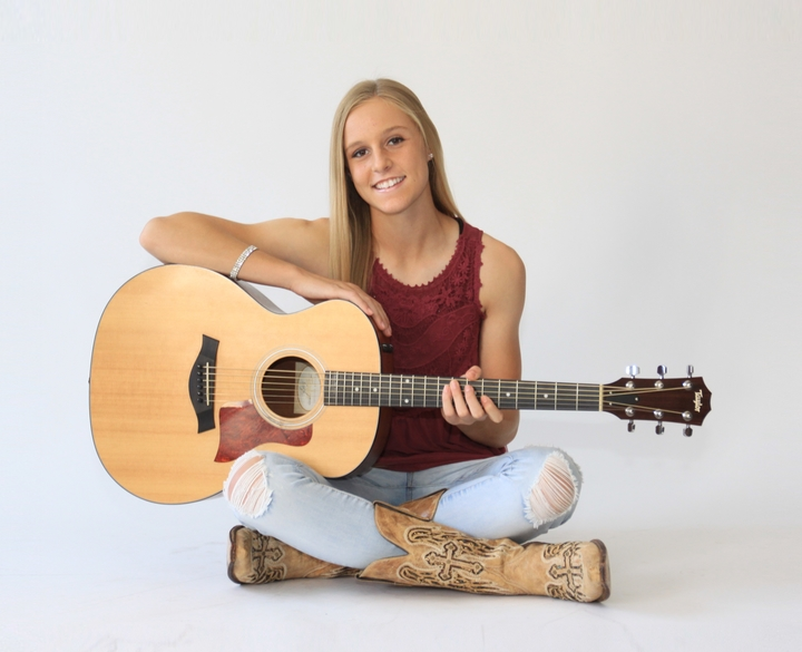McKenzie JaLynn Band @ Bourbon Jack's Honkytonk Bar - Hastings, NE
