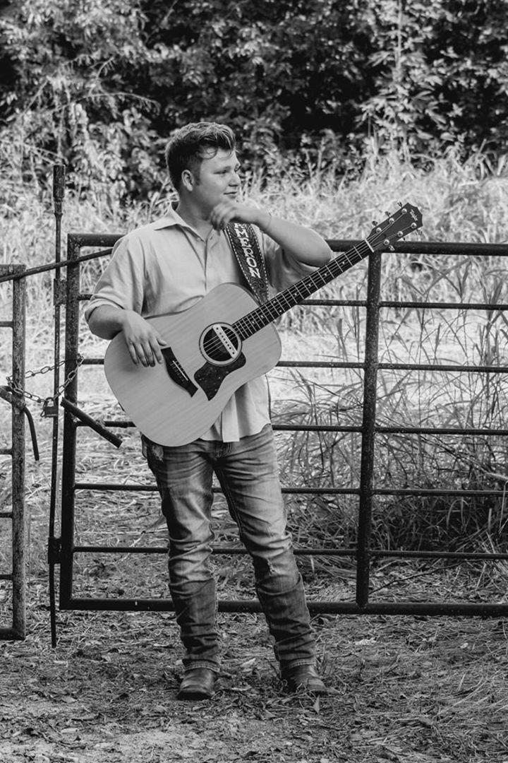 Cameron Hobbs @ Firelight Vineyards - Valley View, TX