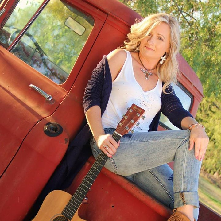 Donna Beckham Music @ Horny Toad Bar and Grill  - Cranfills Gap, TX