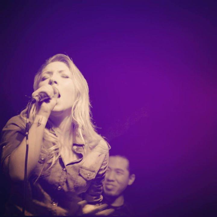 Naomi Gillies Tour Dates