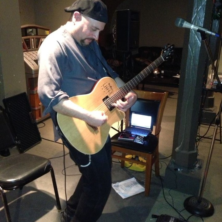 Victor Samalot / Solo instrumental Guitarist @ Shale Creek Country Club - Medina, OH