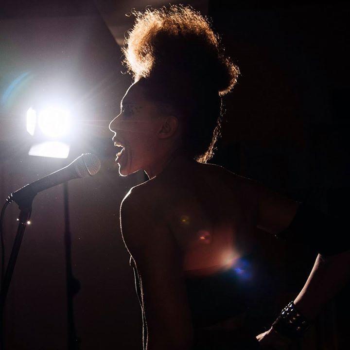 Valerie Renay Tour Dates