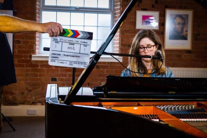 Emily White (UK) @ The Acoustic Lounge - Manchester, United Kingdom