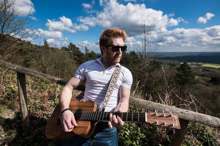 Luke Edney @ Hare Hill Social Club - Addlestone, United Kingdom