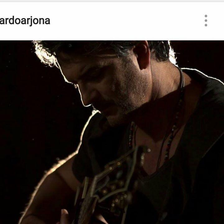 Ricardo Arjona. Fans en la luna Tour Dates
