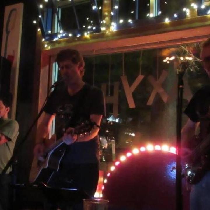 Alex The Red Robert Parez Tour Dates