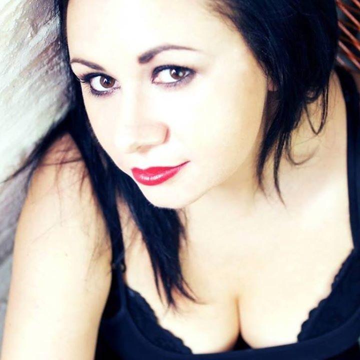 Samantha Blackburn - DJ Profile @ Buntu // Beduin Bar  - London, United Kingdom