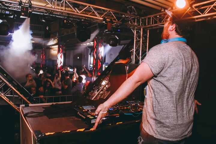 DJ Chris Vegaz @ Feel the Beatz - Hallein, Austria