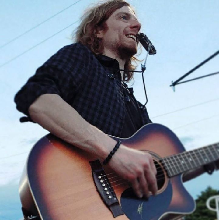 Acoustic Foxx Tour Dates