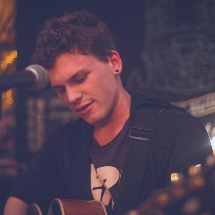 Aaron Roxburgh Music Tour Dates