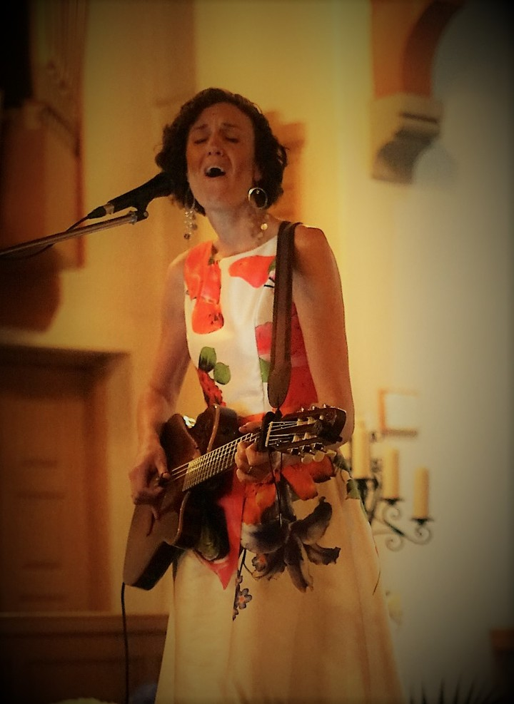 Nicole Coward Musician @ Pinnacle Playhouse - Belleville, Canada