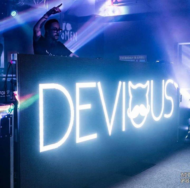 Dvus Tour Dates
