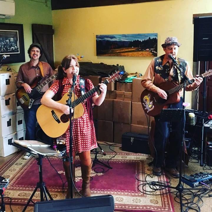 Missi & Mister Baker @ McMenamins Rock Creek Tavern - Hillsboro, OR