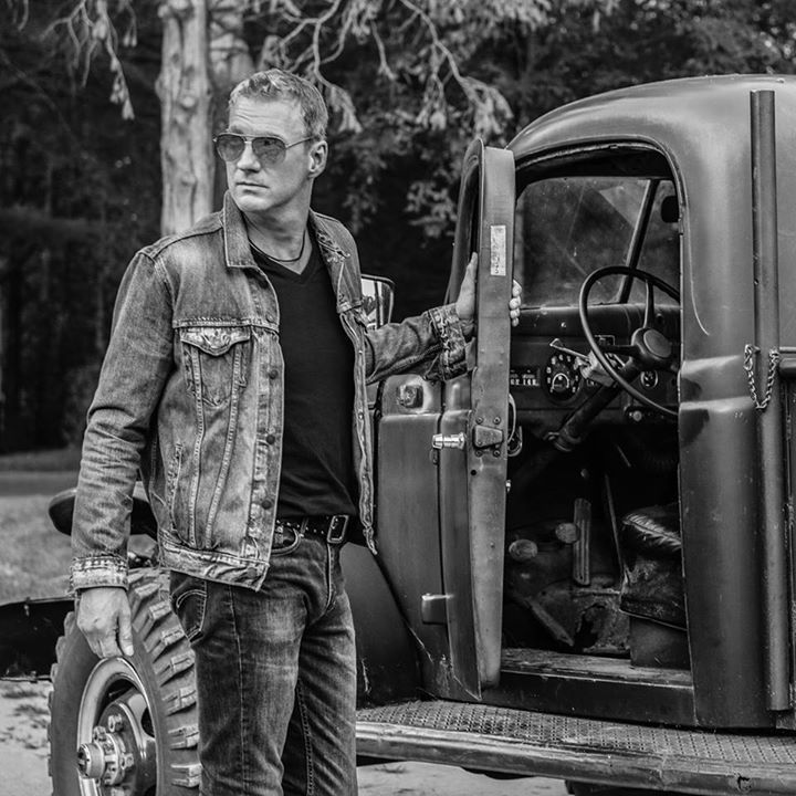 Eliot Lewis @ Daryl's House - Pawling, NY
