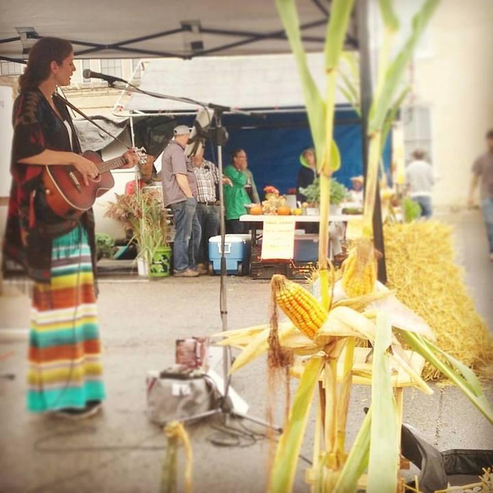 Nicole Coward Musician @ Clarington Farmers Market - Clarington, Canada
