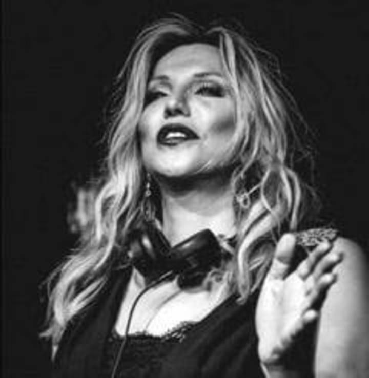 Courtney Love Tour Dates