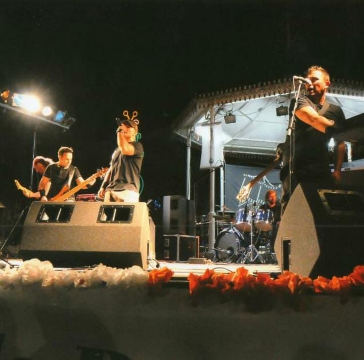 Roadies - Banda de Covers Tour Dates