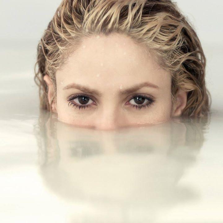 Shakira @ Honda Center - Anaheim, CA