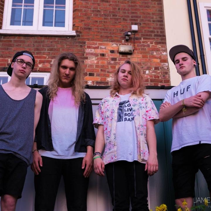 LOVE BUZZ @ Edge Nightclub - Luton, United Kingdom