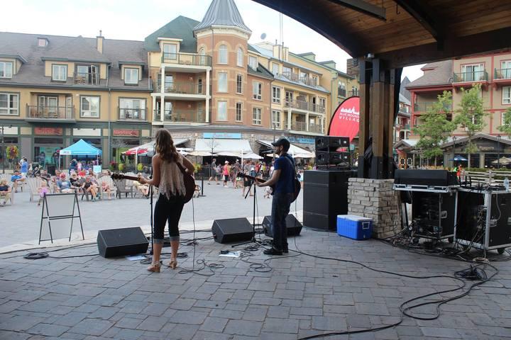 Makayla Lynn Music @ Blue Mountain Village - Collingwood, Canada